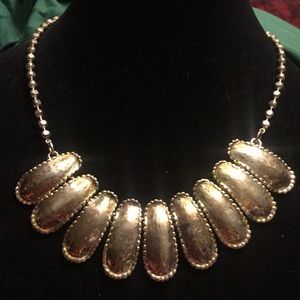 """Jewelry - Vintage silver tone necklace, 18"""""""